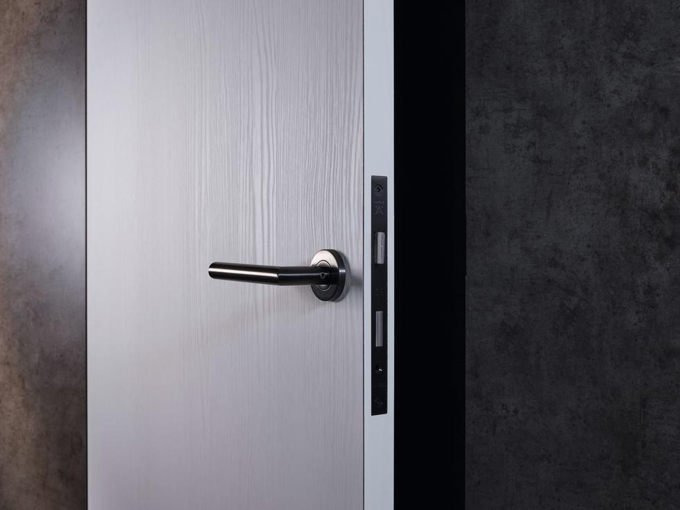 Elastyczność w projektowaniu drzwi z EGGER