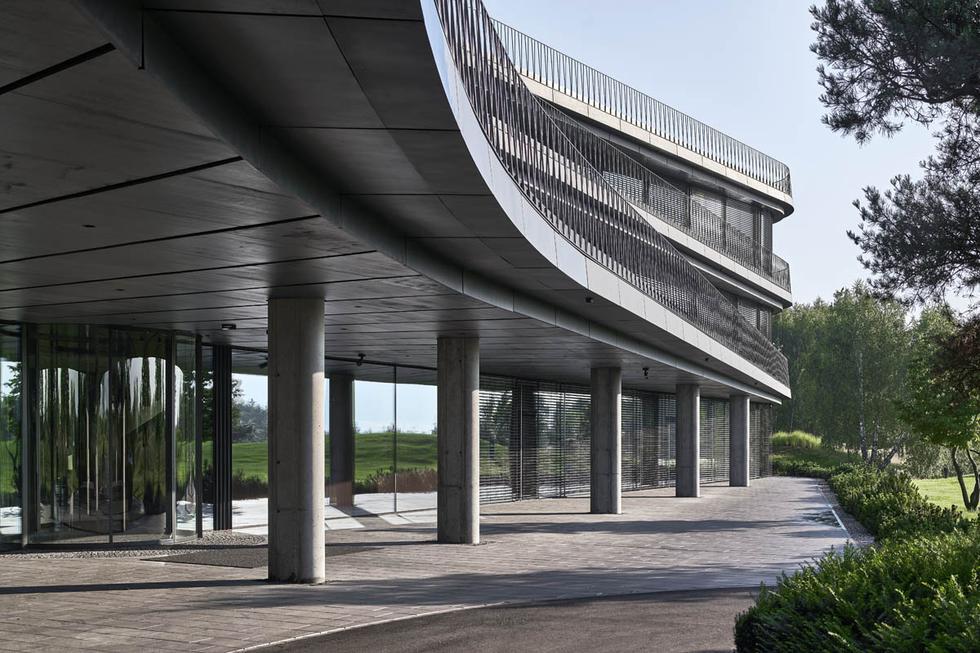 Siedziba firmy Press Glass w Konopiskach