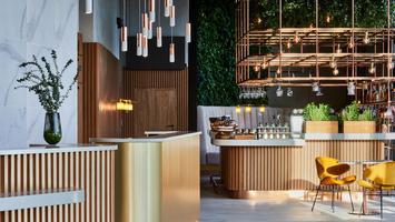 Hotel Crowne Plaza Warsaw – The HUB. Miasto i człowiek według biura Tremend