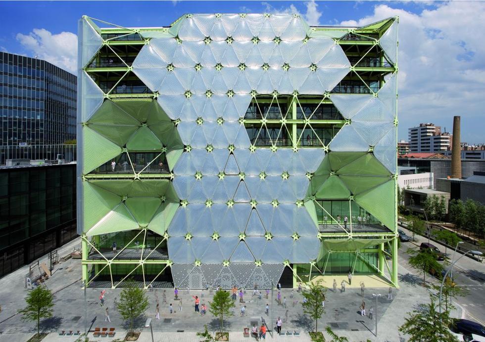 Media-ICT hiszpańskiej pracowni Cloud 9 -  najlepszy budynek świata 2011