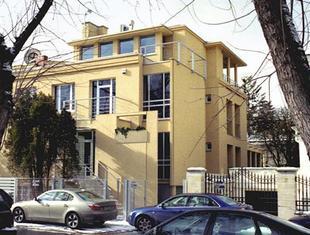 V4 Family Houses