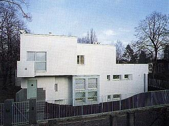 Najlepszy dom jednorodzinny Warszawy 1989-1995 dom na Żoliborzu