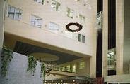 Ulubieniec Warszawy - budynek Atrium Business Centre, wnętrze, widok od strony wejscia