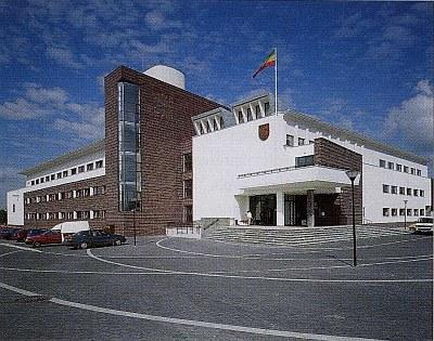 NAJLEPSZY BUDYNEK WARSZAWY 1996-1997: ratusz gminy Warszawa-Białołęka