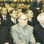 Od lewej: Prezes Urzędu Mieszkalnictwa i Rozwoju Miast Sławomir Najniger, prezes Zarządu Głównego SARP Krzysztof Chwalibóg, Ambasador Irlandii Patrick MacCabe; w tle Marek Mikos, Konrad Kucza-Kuczyńsk