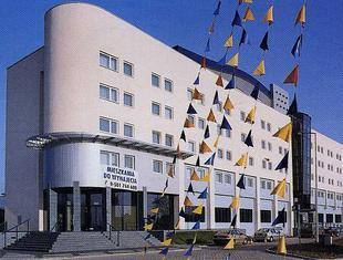 Budynek mieszkalno-biurowy przy ul. Sycowskiej
